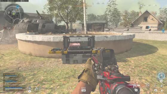 As estações de compra ficam marcadas no mapa. Elas são caixas como esta que é possível notar na imagem. - Call of Duty: Modern Warfare