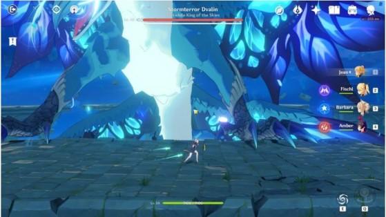 Dvalin, ou Stormterror, um dos dois chefes presentes no game. | Imagem: miHoYo/Reprodução - Genshin Impact