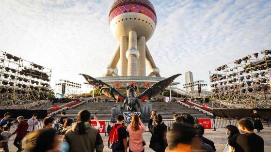 Mundial de LoL 2020: Estátua do Dragão Ancião enfeita palco das finais na China