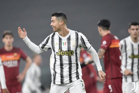 Jogador veterano mais caro do mundo, Cristiano Ronaldo vale cada centavo investido - FIFA