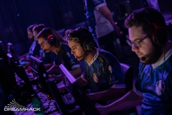 Liquid foi dominante no Six Major de novembro e garantiu seu primeiro título em 2020 (Foto: Divulgação/DreamHack) - Rainbow Six Siege