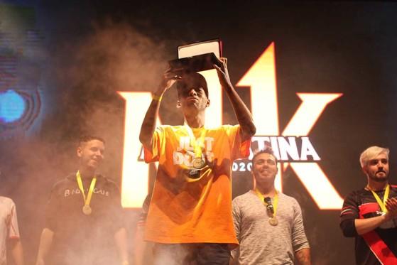 Título da Liga Latina garantiu Konqueror no Final Kombat de Mortal Kombat 11 (Foto: Divulgação/Warner Play) - Jogos de Luta