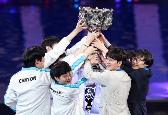 Mundial de LoL: Damwon é campeã do Worlds 2020 com vitória sobre a Suning